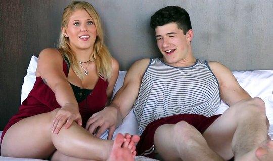 Молодая парочка во время кастинга снимают вагинальный трах и кончают