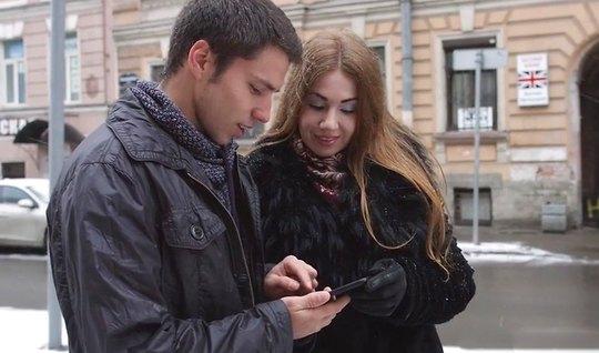 Пика русской красотки с худенькими ножками завершается сексом