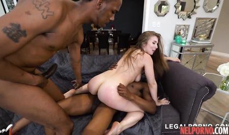 Негр доводит девушку до нескольких оргазмов подряд — img 12